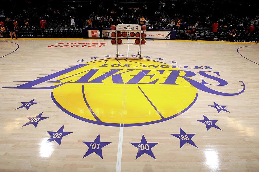 Utah Jazz V Los Angeles Lakers Photograph by Juan Ocampo
