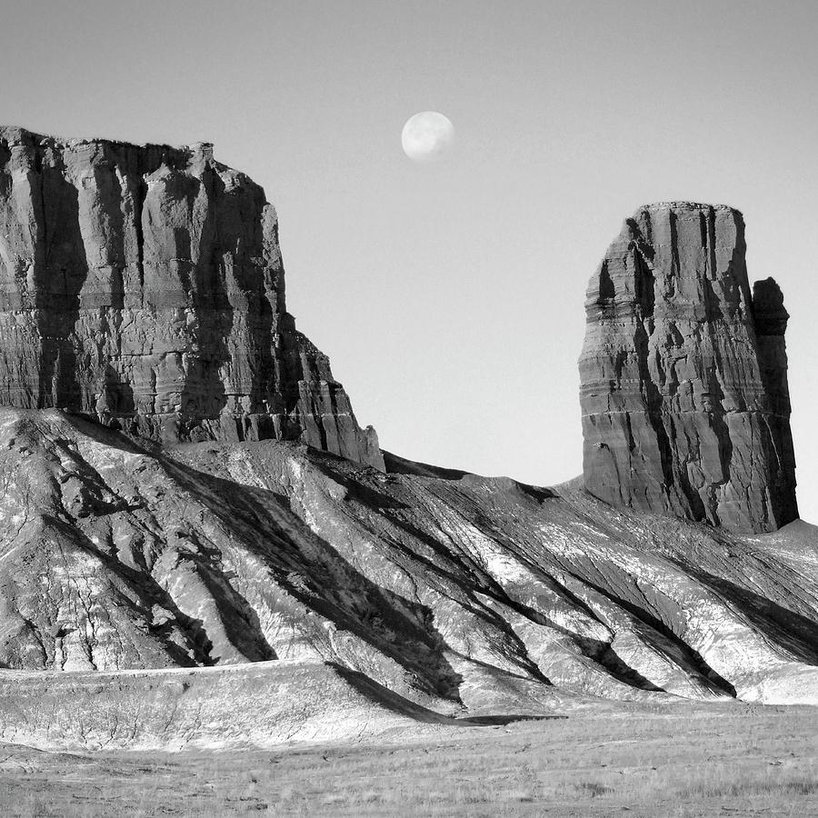 Utah Photograph - Utah Outback 21 by Mike McGlothlen
