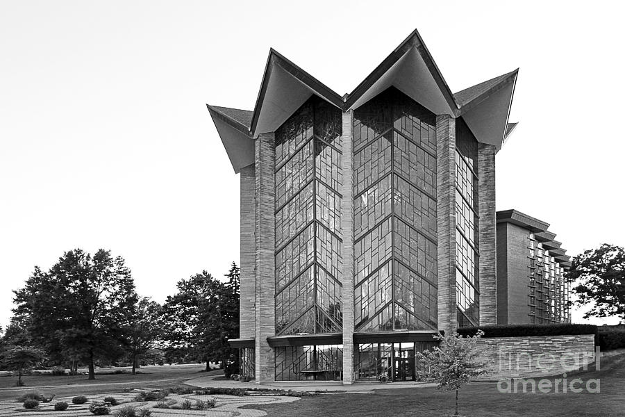Crusaders Photograph - Valparasio University Chapel Of The Ressurection by University Icons