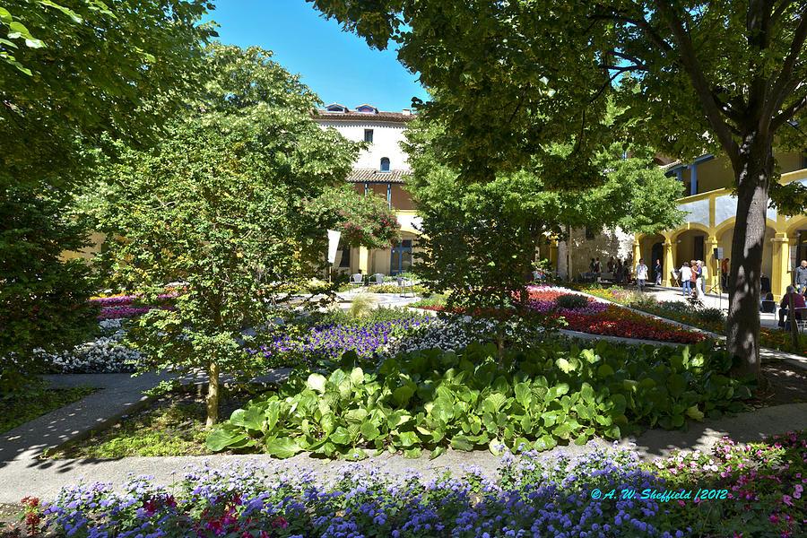 Arles Photograph - Van Gogh - Courtyard In Arles by Allen Sheffield