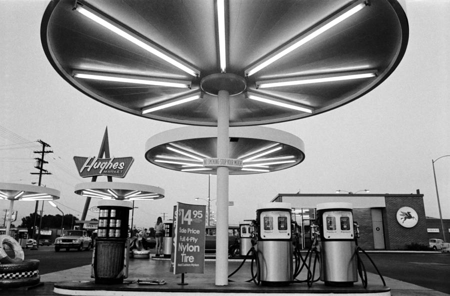 Texaco Gas Station Photograph - Van Nuys Boulevard Gas Station Symbols Mys 10 by Richard McCloskey