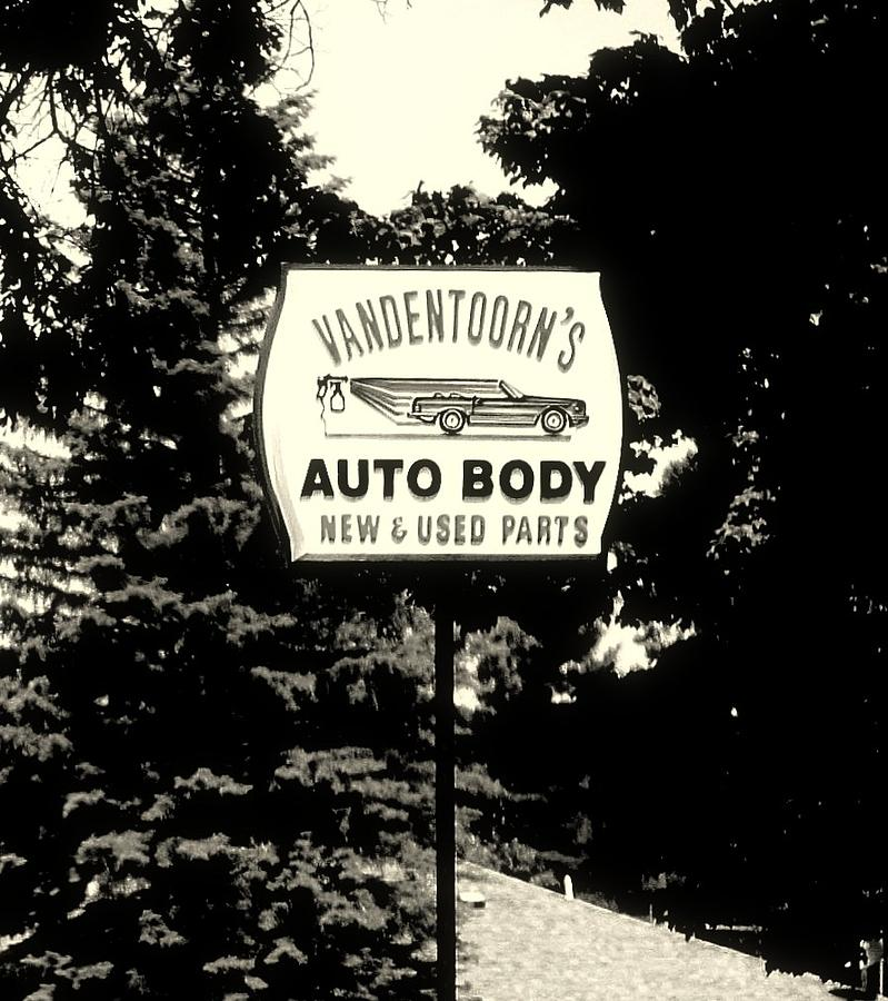 Vandentoorns auto body new and used parts sign photograph for New and used motors