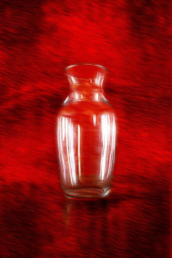 Vase En Rouge Photograph