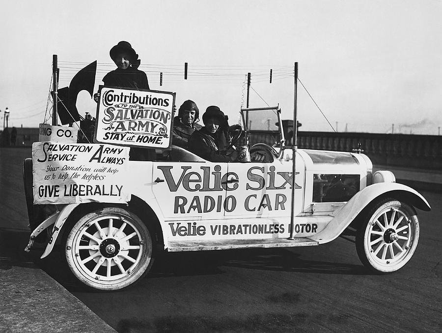 1920s Photograph - Velie Six Radio Car by Underwood & Underwood
