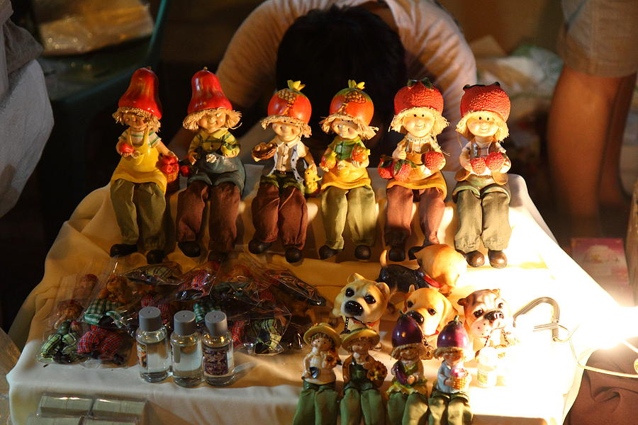Chiang Photograph - Vendors - Night Street Market - Chiang Mai Thailand - 011329 by DC Photographer