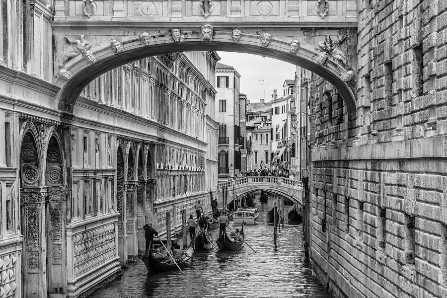 Venice Photograph - Venice 08 by Tom Uhlenberg