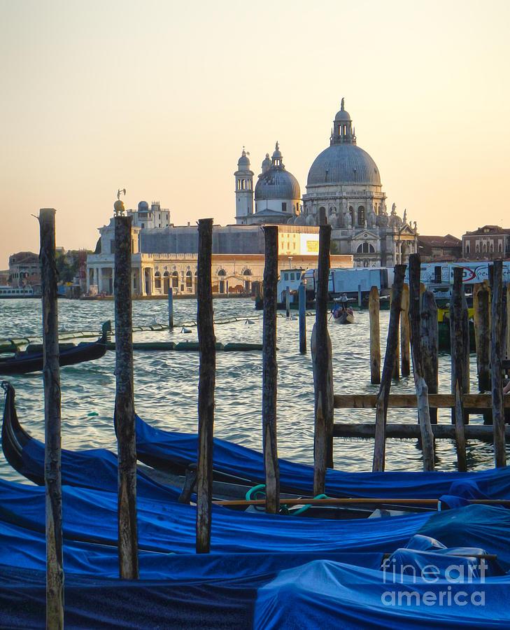Venice Italy Painting - Venice Italy - Santa Maria Della Salute And Gondolas by Gregory Dyer