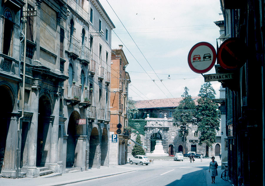 Vicenza Photograph - Vicenza Italy 1962 by Cumberland Warden