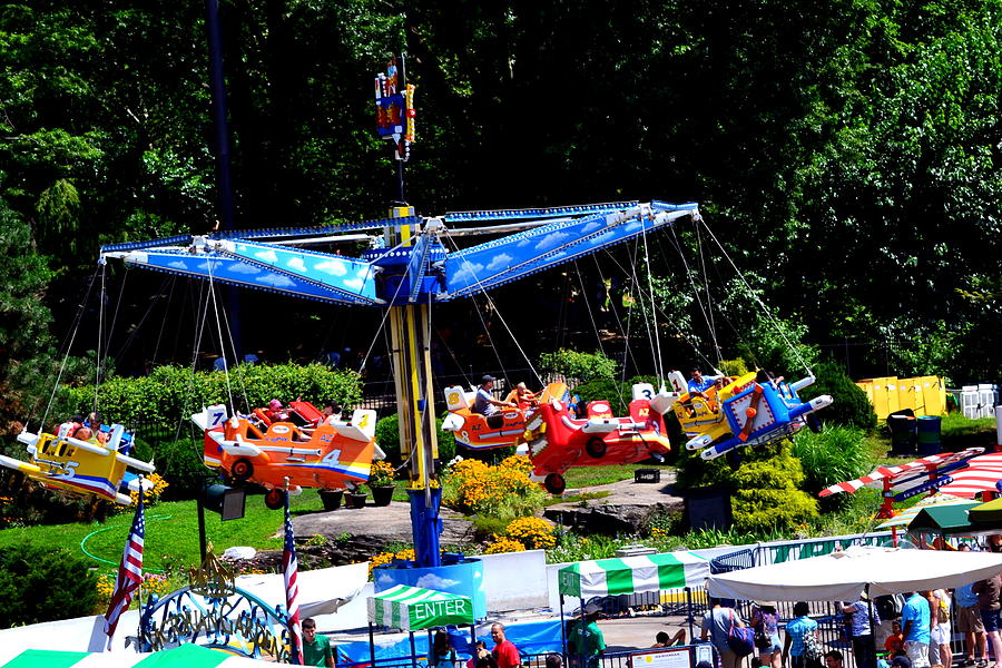 Victoria Gardens At Wollman Rink In Central Park New York