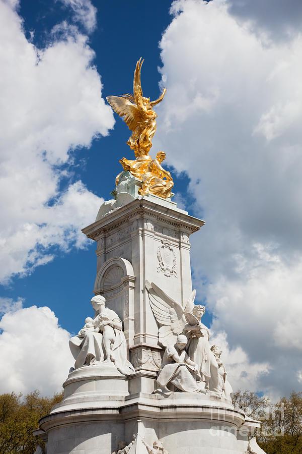 Victoria Photograph - Victoria Memorial Next To Buckingham Palace London Uk by Michal Bednarek