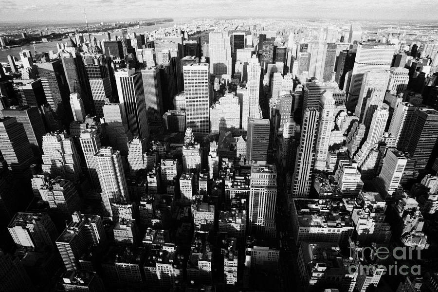 Usa Photograph - View North And Down Towards Central Park From Empire State Building by Joe Fox