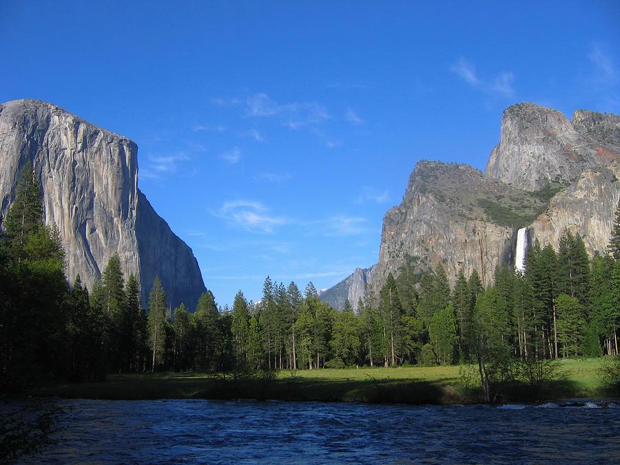 View over Yosemite by Stephen Haunts