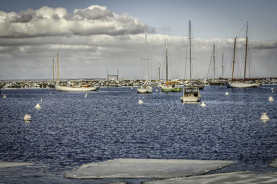 Marthas Vineyard Photograph - Vineyard Haven-artica by Bob Bernier