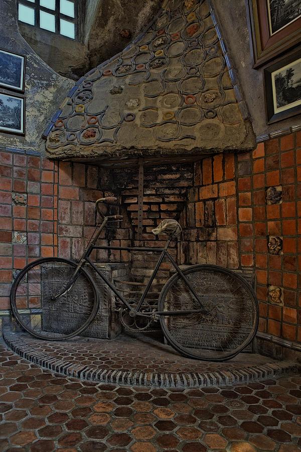 Byzantine Photograph - Vintage Bicycle by Susan Candelario