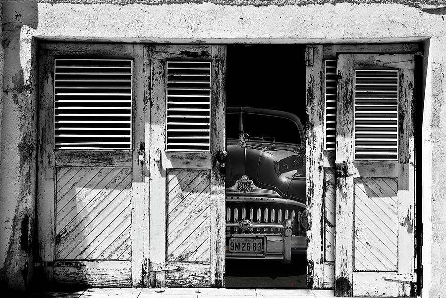Buick Photograph - Vintage Buick Eight by Larry Butterworth