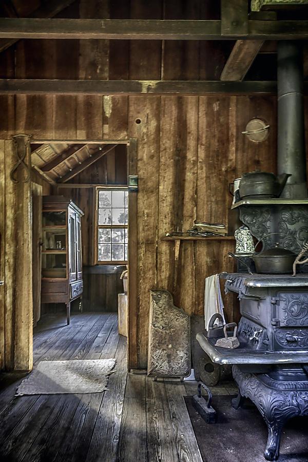 Kitchen Photograph - Vintage Cracker Kitchen by Lynn Palmer