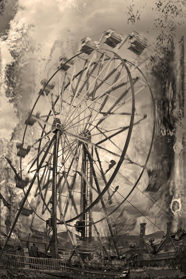 Ferris Wheel Photograph - Vintage Ferris Wheel by Theresa Tahara