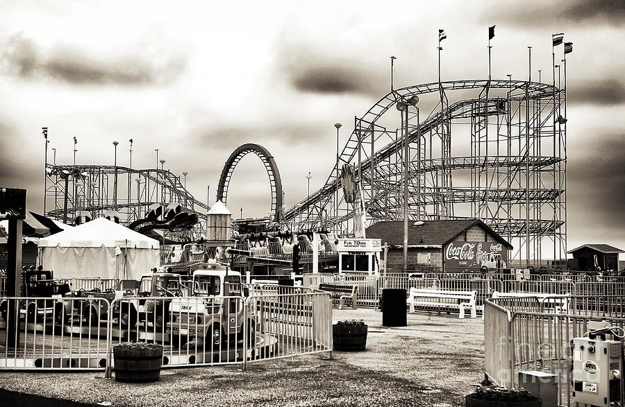 Amusement Park Photograph - Vintage Funtown by John Rizzuto