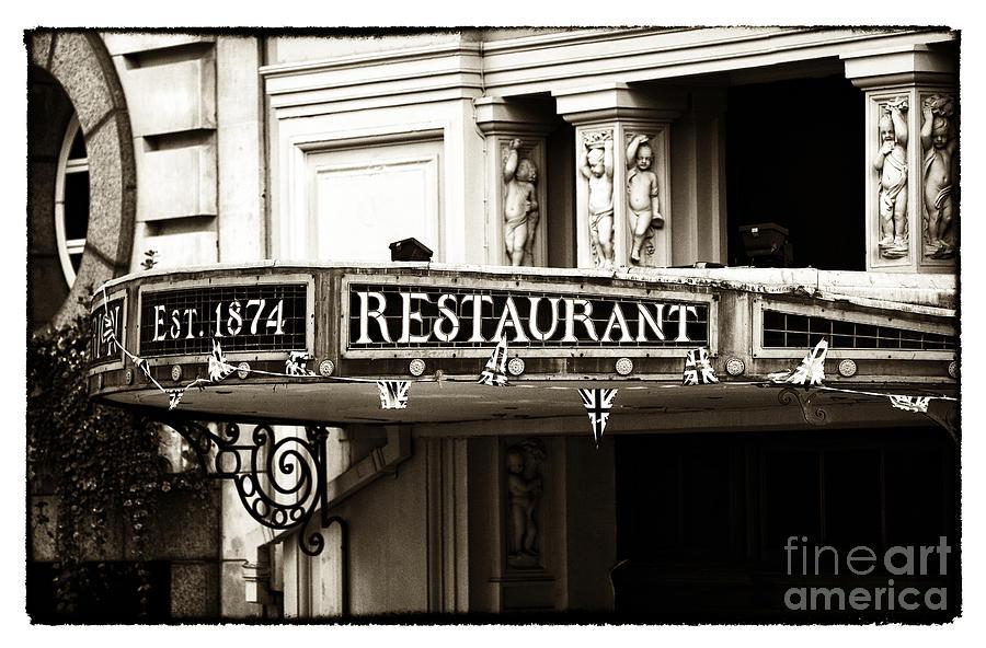 Vintage London Photograph - Vintage London by John Rizzuto