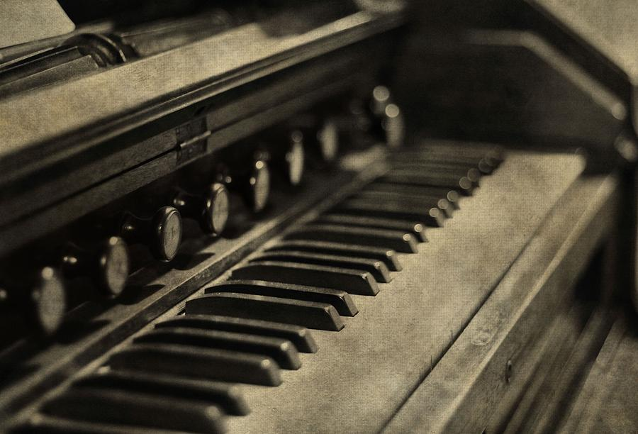 Vintage Piano Photograph - Vintage Piano by Dan Sproul