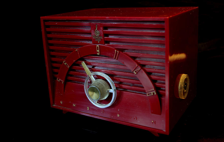 Emerson Photograph - Vintage Radio by David Dufresne