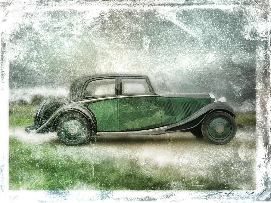 Vintage Digital Art - Vintage Rolls Royce by David Ridley