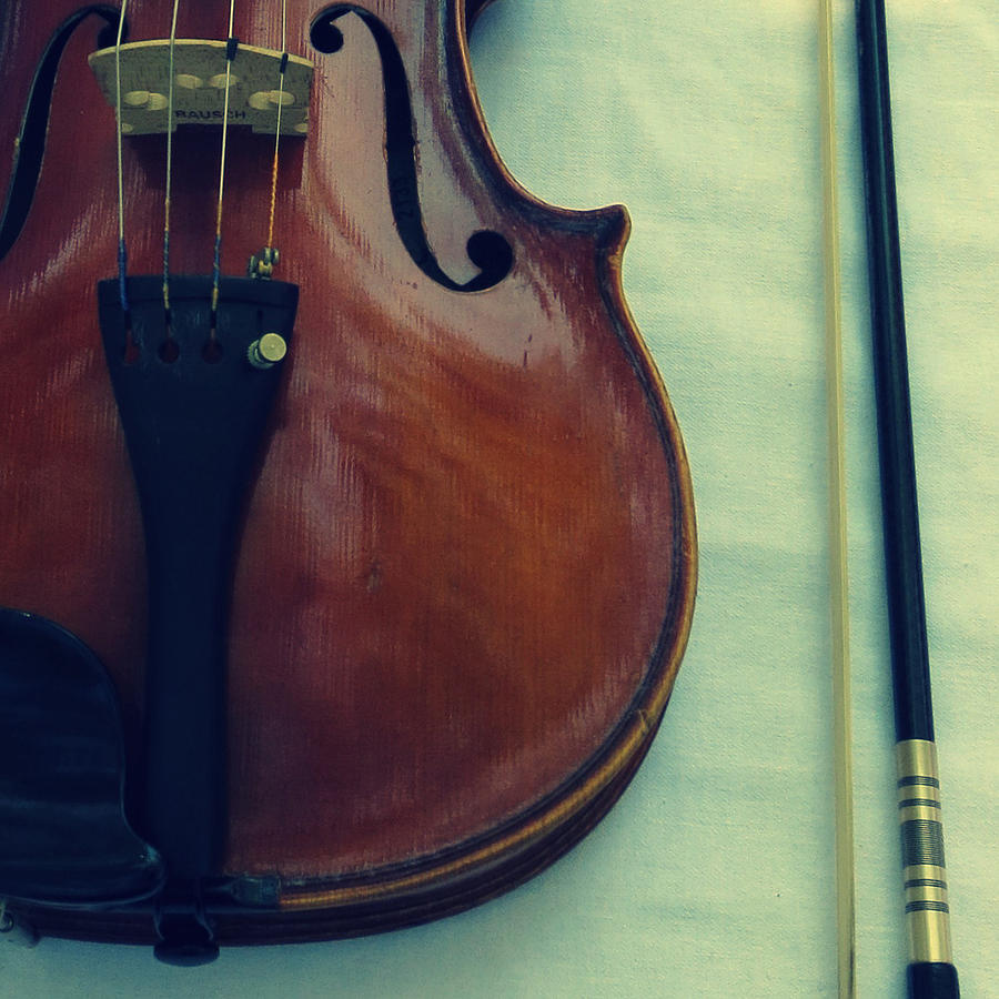Violin Photograph - Violin And Bow by Patricia Januszkiewicz