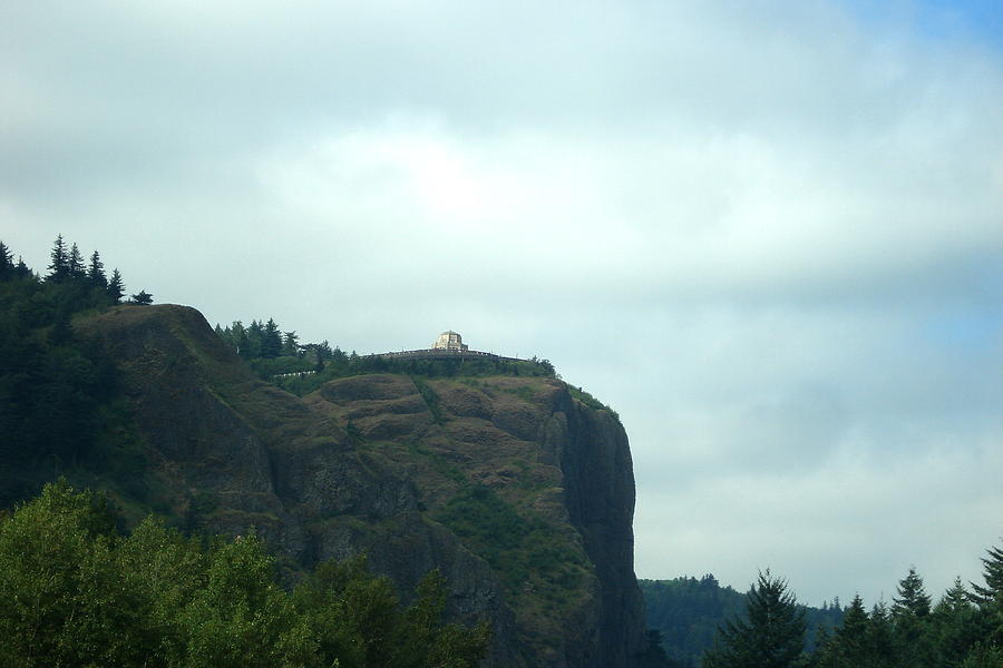 Crown Point Photograph - Vista House At Crown Point Promontory by Lizbeth Bostrom