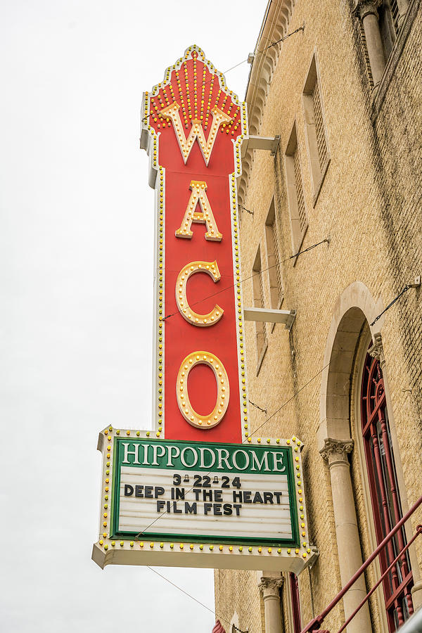 Vertical Photograph - Waco Movie Theater With Sign, Waco by Panoramic Images