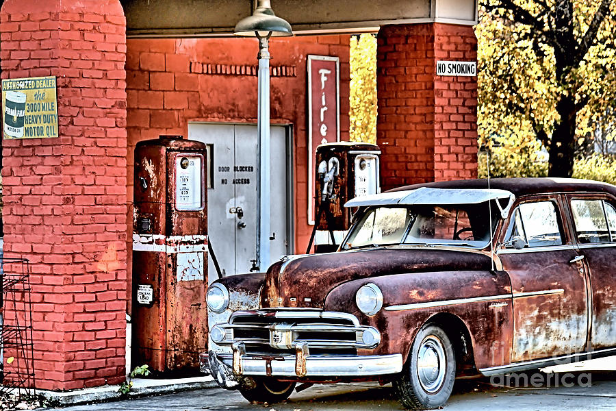 Gas Photograph - Waiting.... by Joe Russell