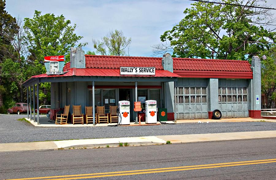 Mt. Airy Photograph - Wallys Service Station Mt. Airy Nc by Bob Pardue