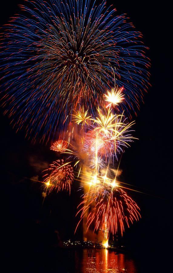 National Mall & Memorial Parks Photograph - Washington Monument Fireworks 3 by Stuart Litoff