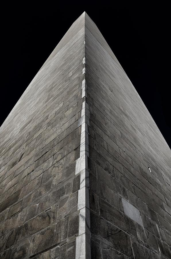 Washington Monument by Marianna Mills
