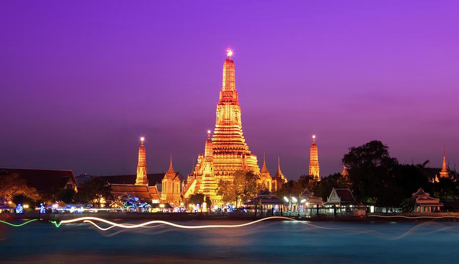 Wat Arun Bangkok Photograph by Karenmassier