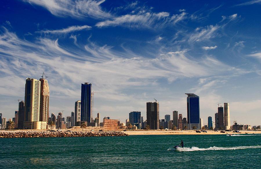 Landscape Photograph - Water Sports In Dubai by Sanjeewa Marasinghe