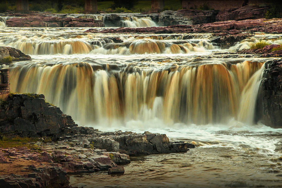 waterfalls at falls park in sioux falls south dakota. Black Bedroom Furniture Sets. Home Design Ideas