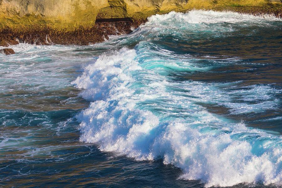 Wave Breaking, Nusa Penida, Bali Photograph by Zanariahsalam
