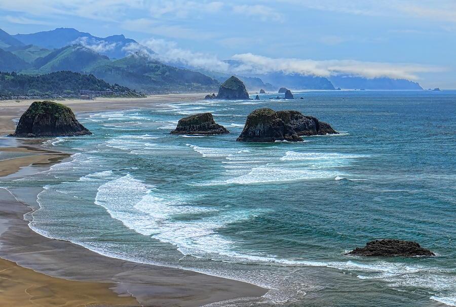 Waves Coming Ashore by Dale Kauzlaric