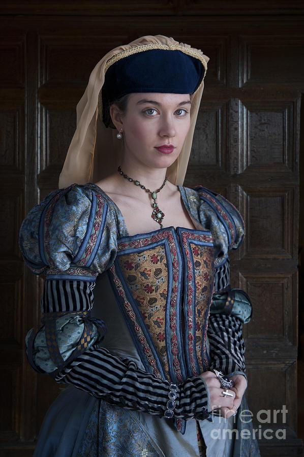 Wealthy Tudor Woman Portrait Photograph By Lee Avison
