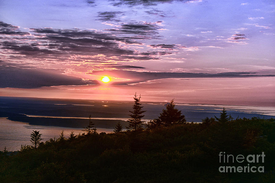 Sunrise Photograph - Welcoming A New Day by Arnie Goldstein
