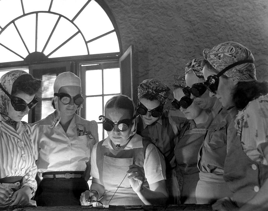 History Photograph - Welding Training For Women by Everett