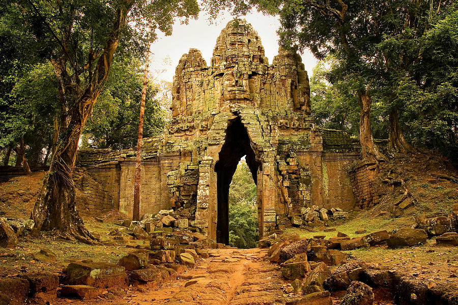 Gate Photograph - West Gate To Angkor Thom by Artur Bogacki