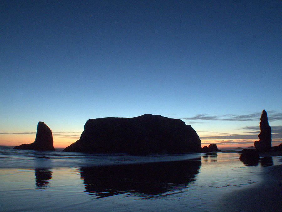 Bandon Photograph - Whale Rock by Suzy Piatt