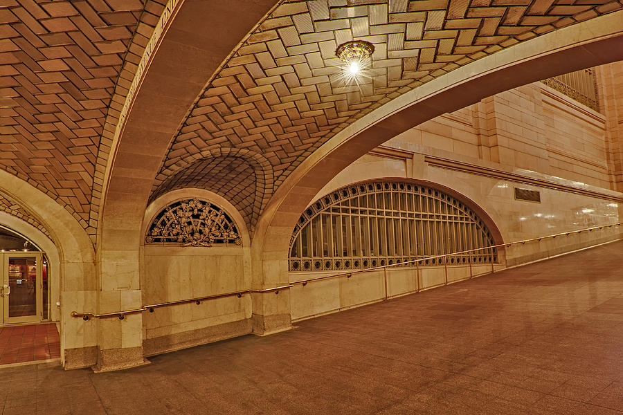 Grand Central Station Photograph - Whispering Gallery by Susan Candelario