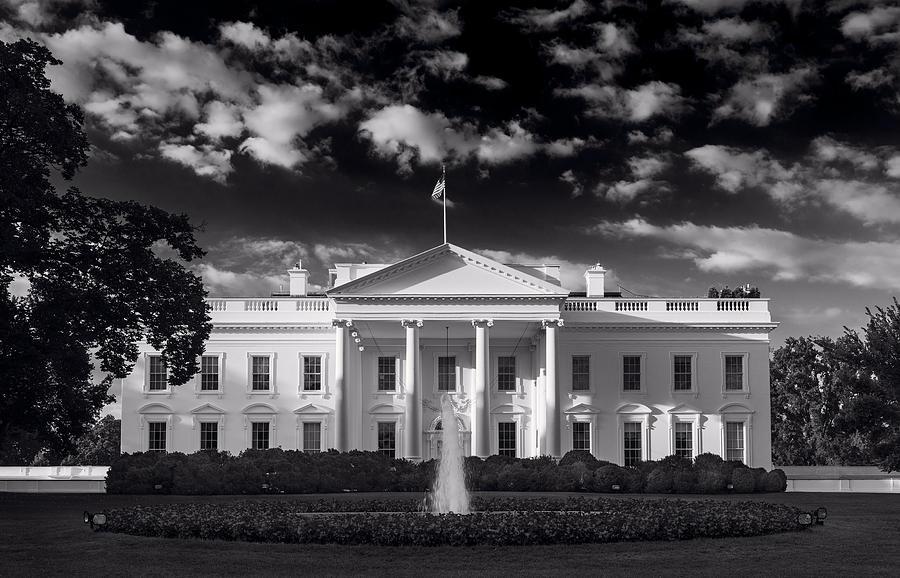 White Photograph - White House Sunrise B W by Steve Gadomski
