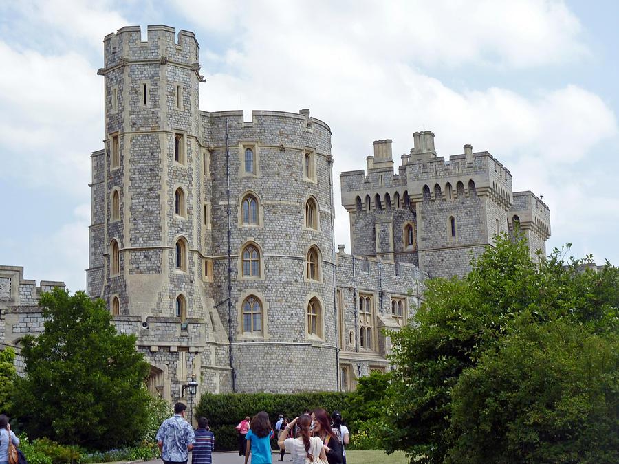 Windsor Castle Photograph - Windsor Castle by Tony Murtagh