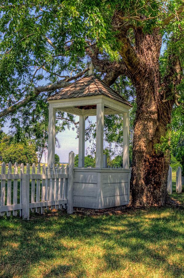 Yorktown Photograph - Wishing Well At Yorktown by Jerry Gammon