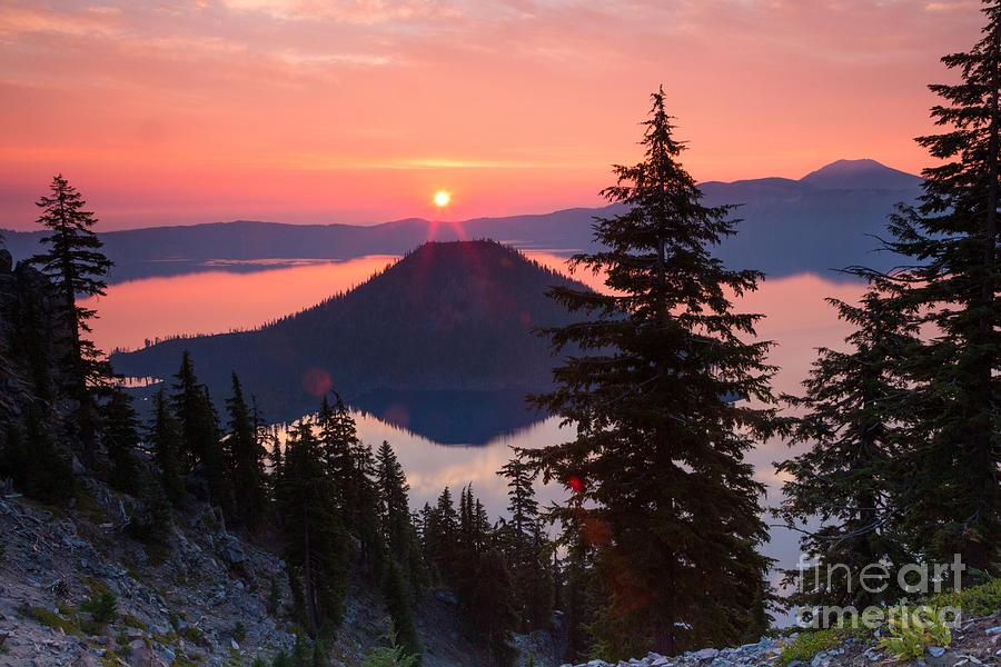 Crater Lake Np Photograph - Wizzard Island Sunrise 4 by Dan Hartford