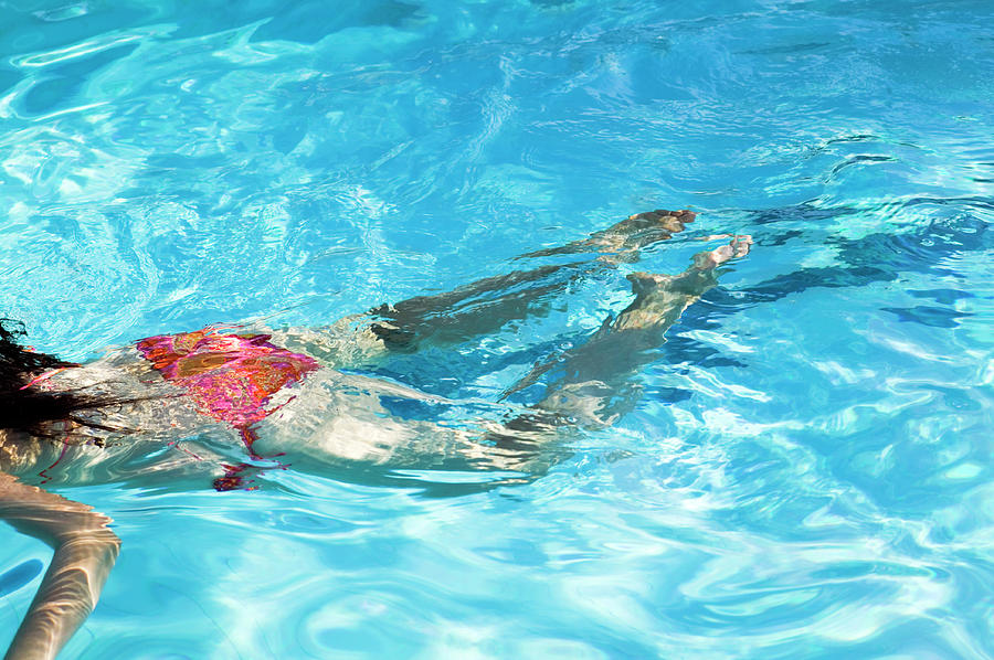 Human Photograph - Woman Swimming by Gustoimages/science Photo Library