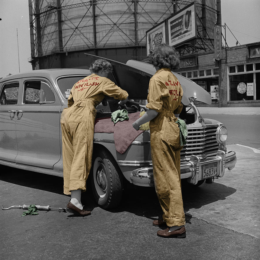 Auto Mechanics Photograph - Women Auto Mechanics by Andrew Fare